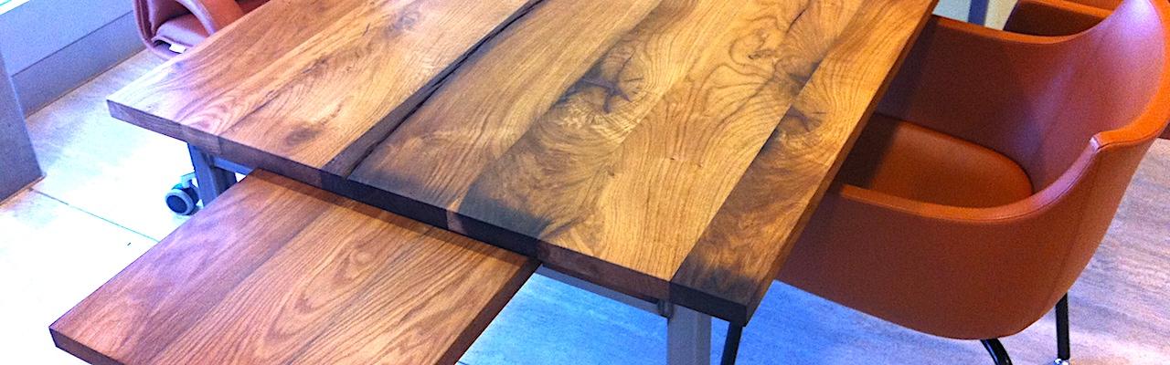 Vieux chêne utilisé pour un plateau de table